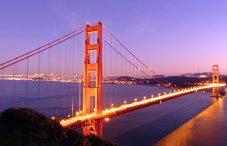 San Fransisco's Golden Gate Bridge at night