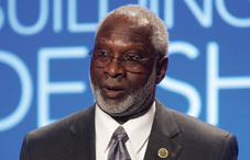 Dr. David Satcher at the State Leadership Conference opening session (credit: APA photo)