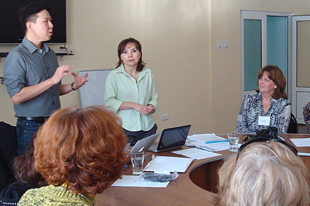 Dr. Hu teaching a seminar to psychologists and mental health workers in Tashkent, Uzbekistan.