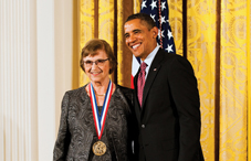 President Barack Obama presented psychologist Anne Treisman, PhD, with the National Medal of Science, the highest honor in science given by the U.S. government. (credit: Ryan K. Morris/National Science & Technology Medals Foundation)